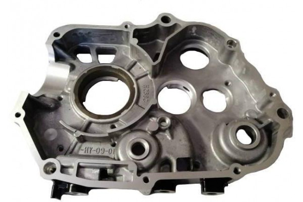 Karter motoru pravý  XB27